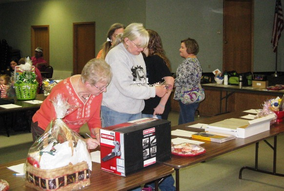 Bidding on silent auction items