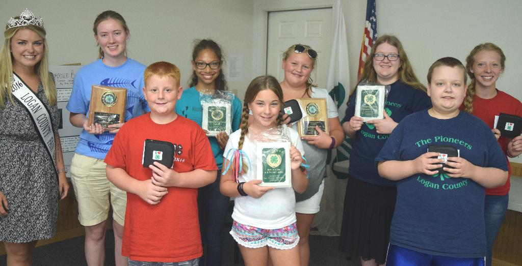 4-H Clothing & Textiles award winners