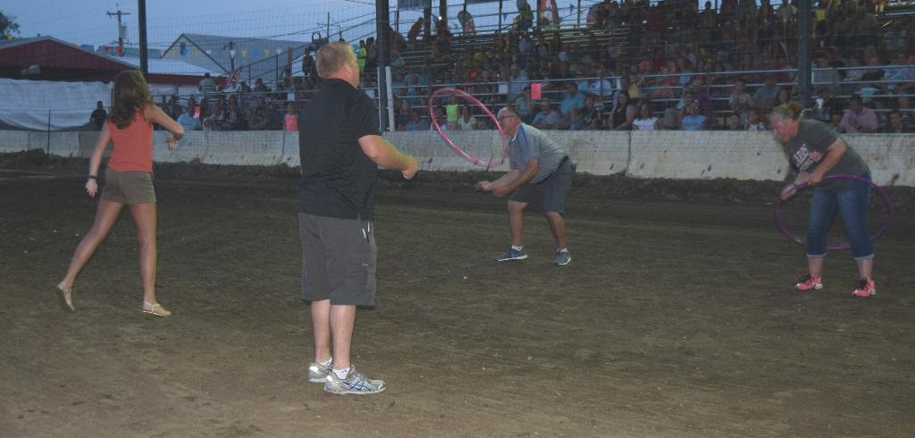 Alumni try human ring toss