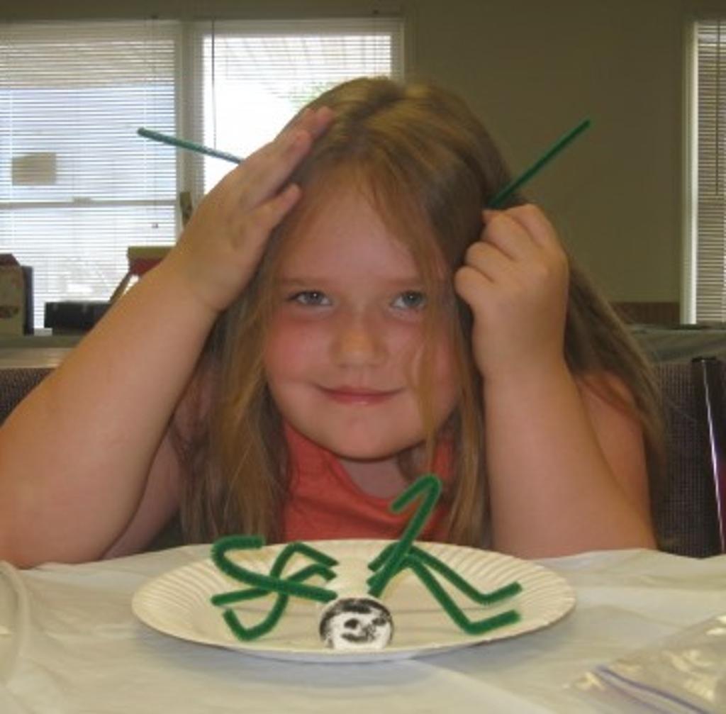 """Mackenzie making her edible """"ant"""""""