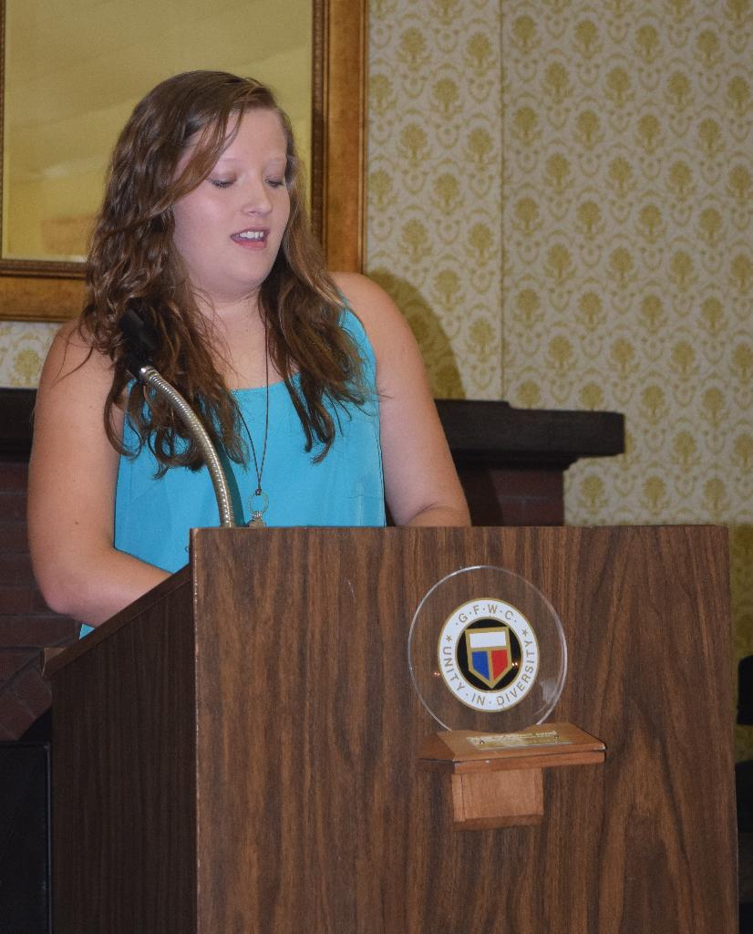 Ariana Hinkle, Hollanders 4-H nominee, shares info about her 4-H experiences