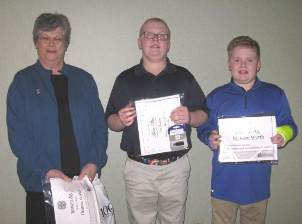 Beason Ag 4-H club members present for recognition