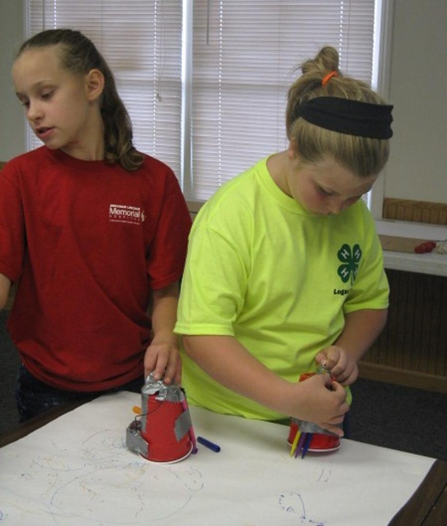 Caroline and Klarissa with their can can robots
