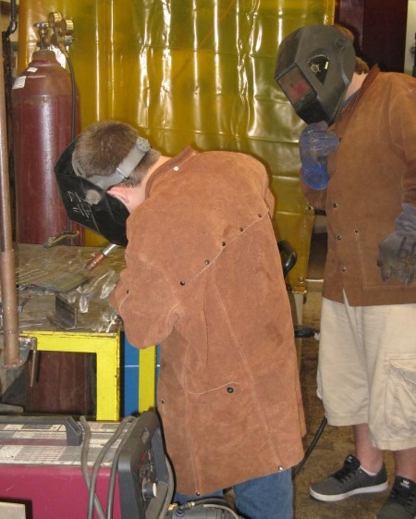 Cavit tries MIG welding