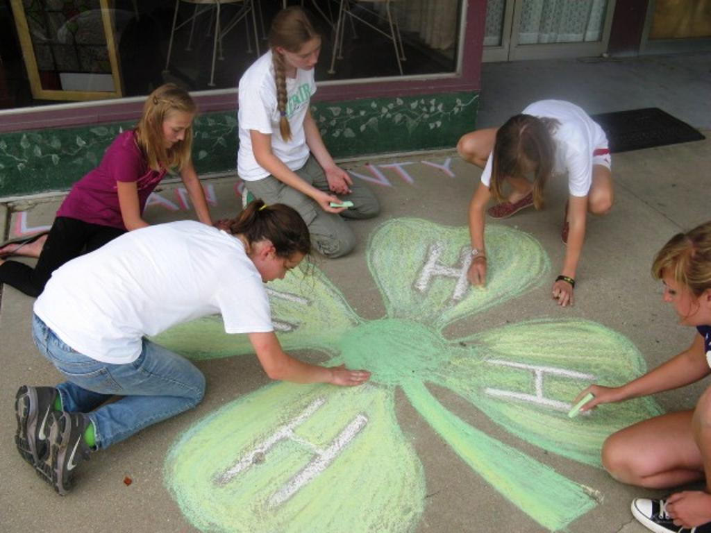 Ashley,  Alyssa, Abi, Ruth and Raelyn work on coloring the Clover in