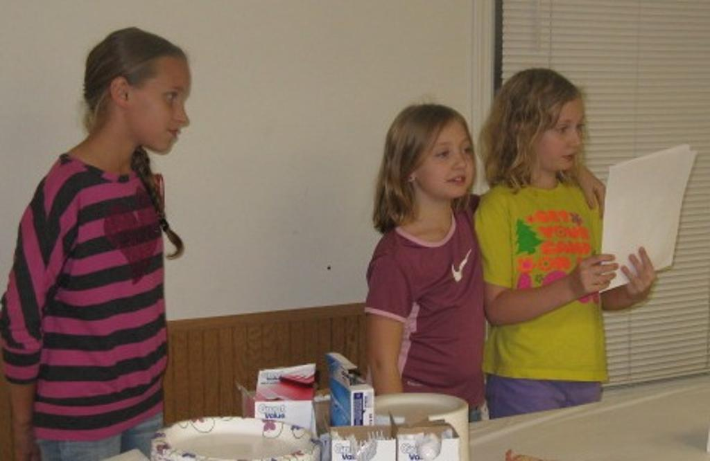 Chester 4-H club members talk about the foods they brought.