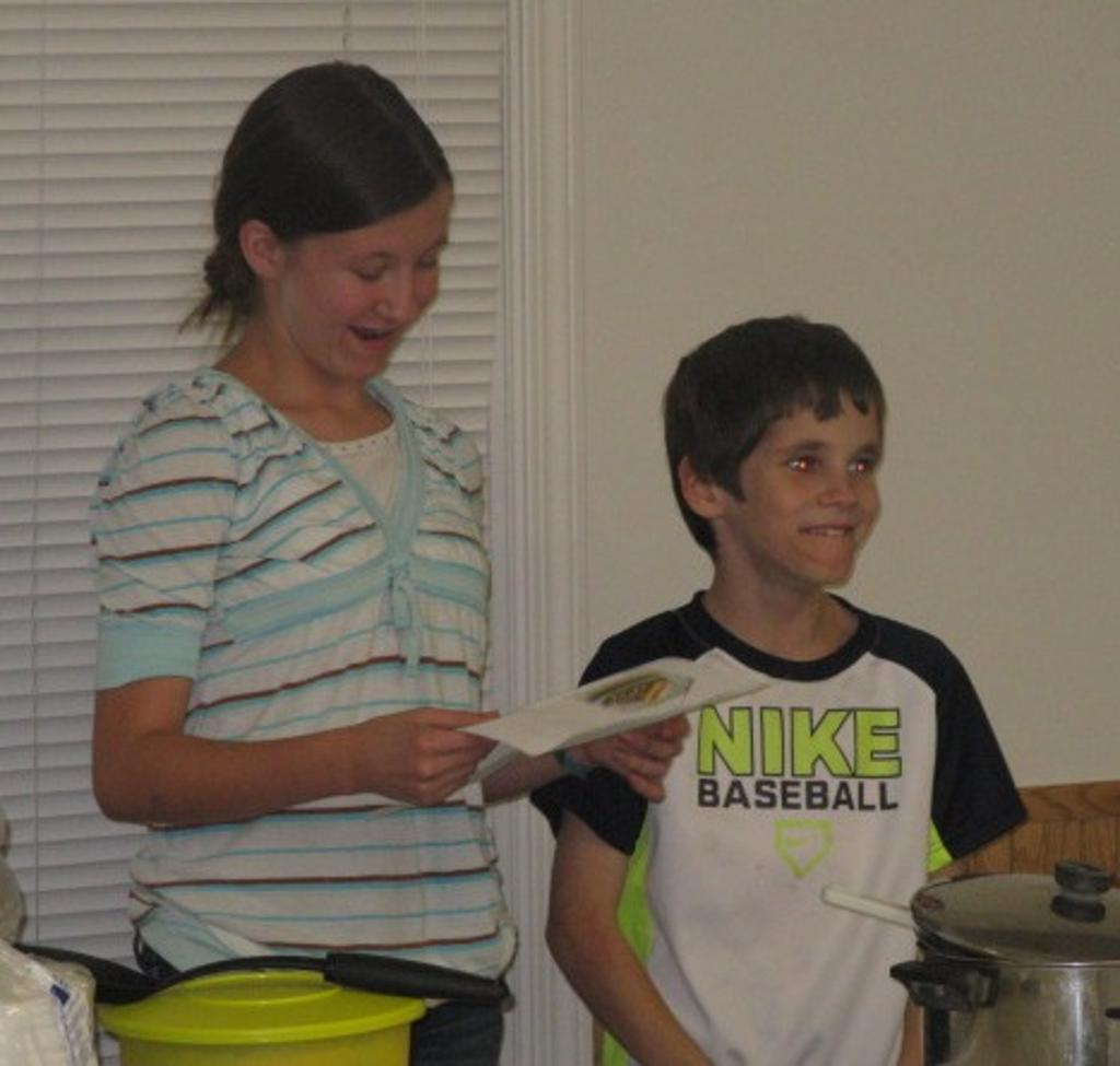 Cloverdale 4-H members describe the food they made.