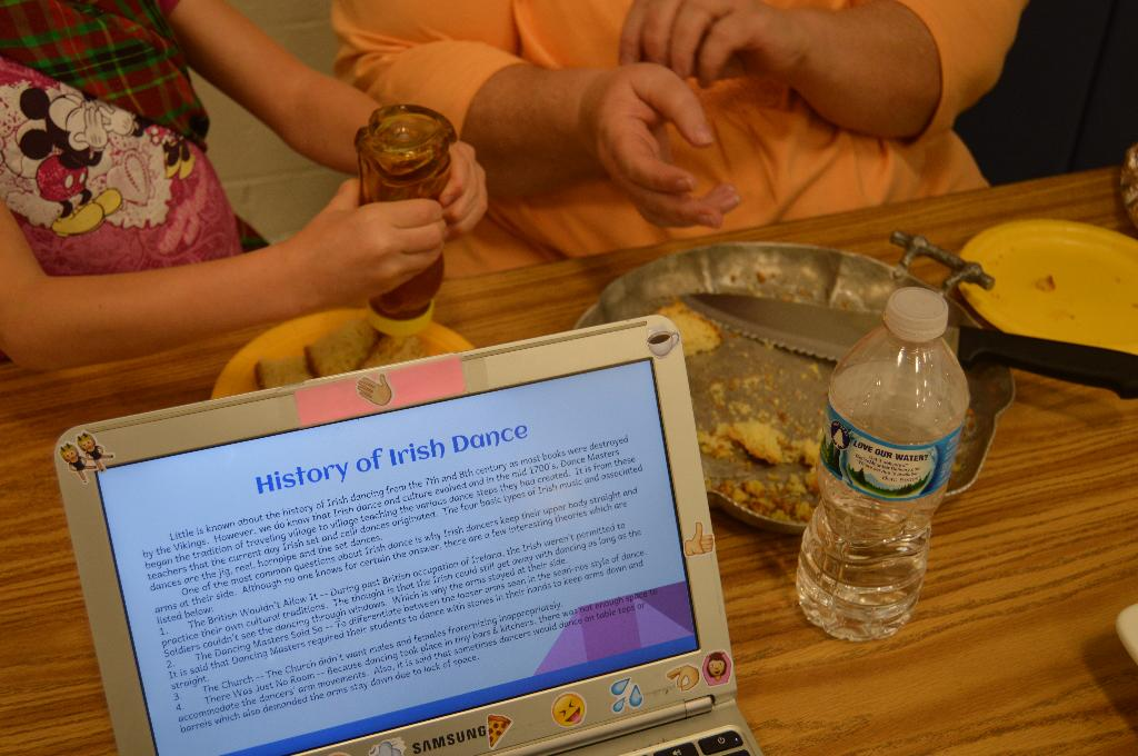 A glimpse of Ireland by Rochester Cooper Jets 4-H Club with Irish Soda Bread and honey!