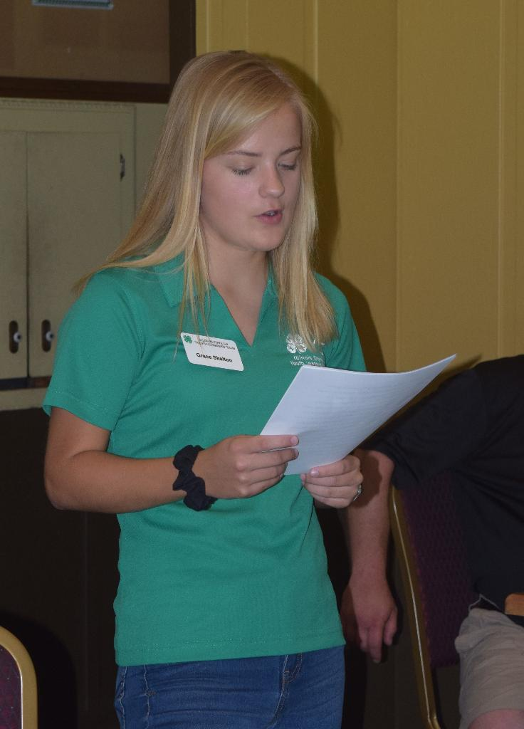 Grace Skelton, State 4-H Youth Leadership Team member, began the program with an intro to 4-H