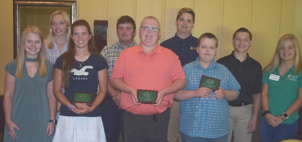 Group of 4-H members who spoke to Kiwanians