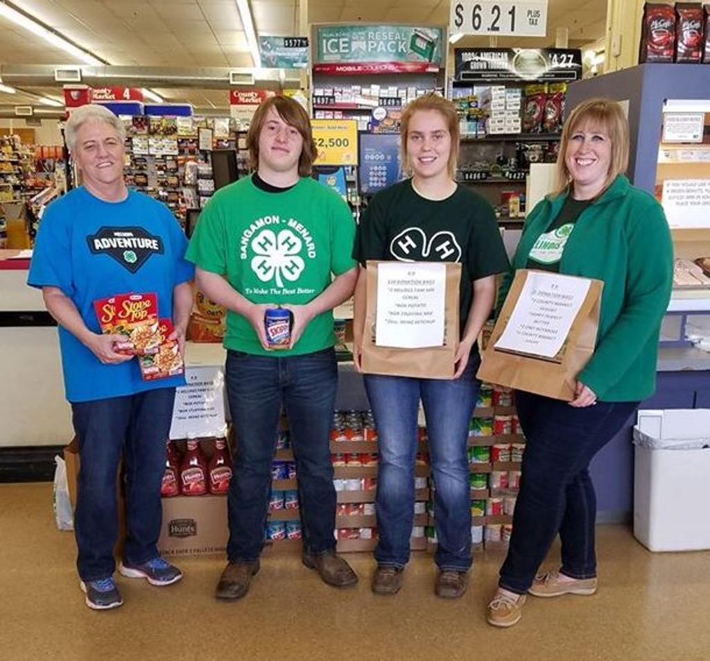 Menard county volunteers at the County Market in Petersburg.