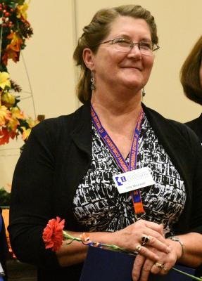 Ella Maxwell receives Illinois Outstanding Master Gardener award in 2015.