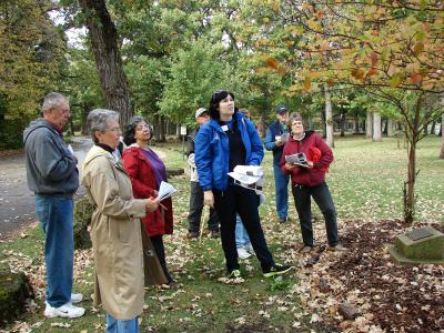 Master Gardeners participating in a tree walk
