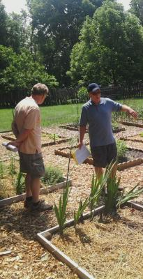 Master Gardeners help at community gardens