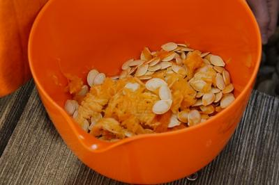 pumpkin-seeds-1004947 1920