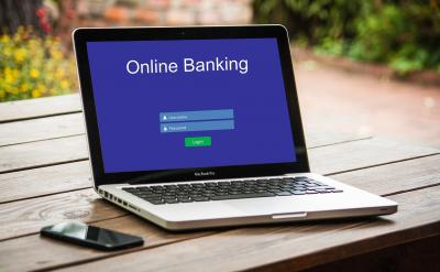 online-banking-3559760 1920